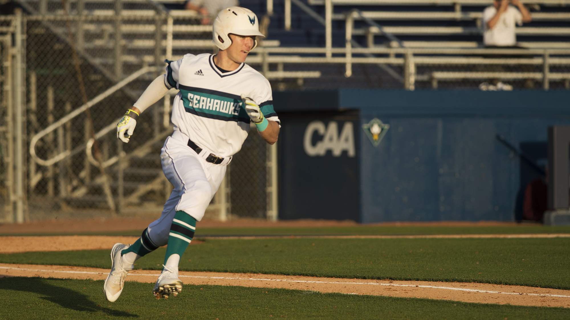 Liles Named CAA Rookie-of-the-Week - UNC Wilmington