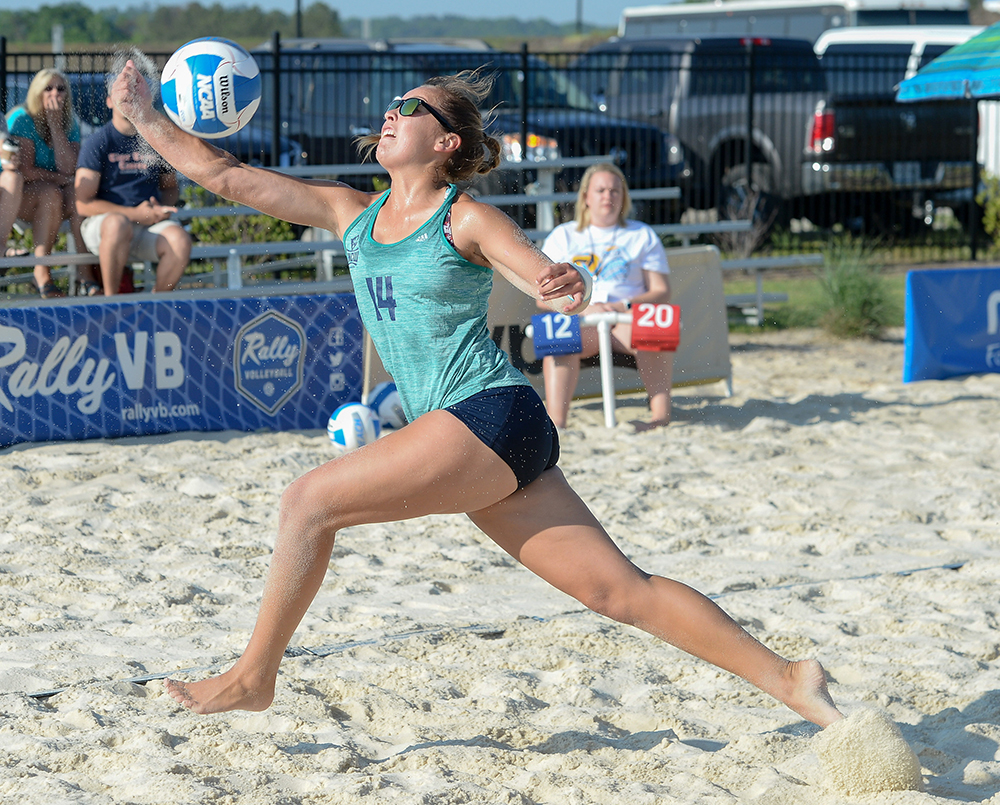 Beach Volleyball Drops Two At Ccsa Tournament Unc Wilmington Athletics